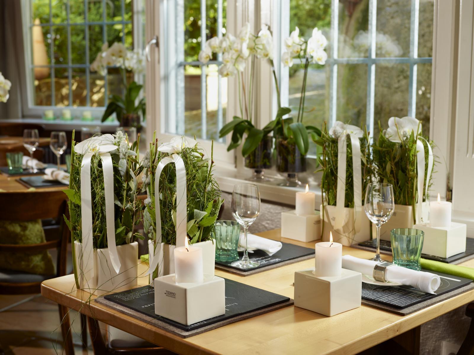 Festliche tischdekoration f r s familienfest tiziano design for Tischdekoration festlich