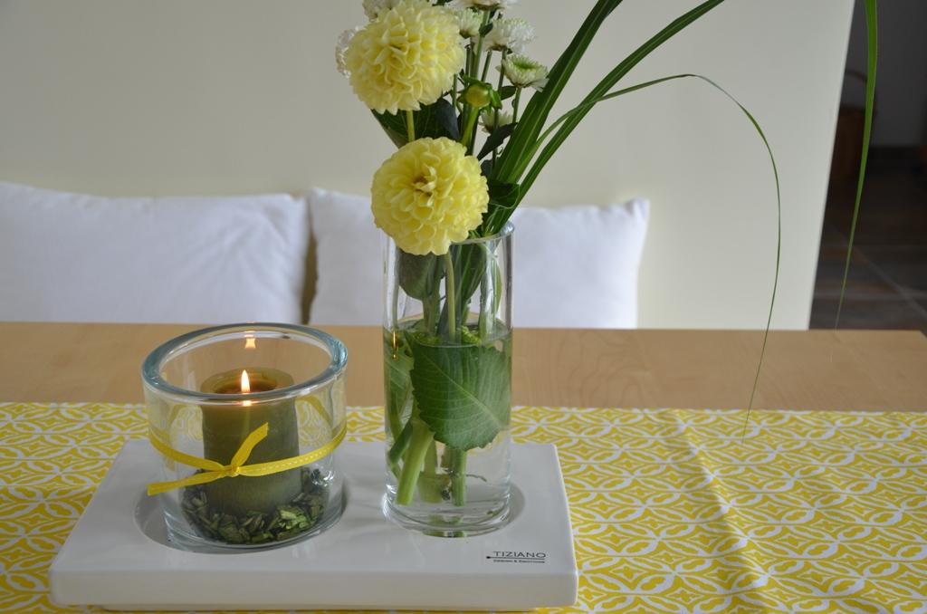 sommerdeko mit zitronen tiziano. Black Bedroom Furniture Sets. Home Design Ideas