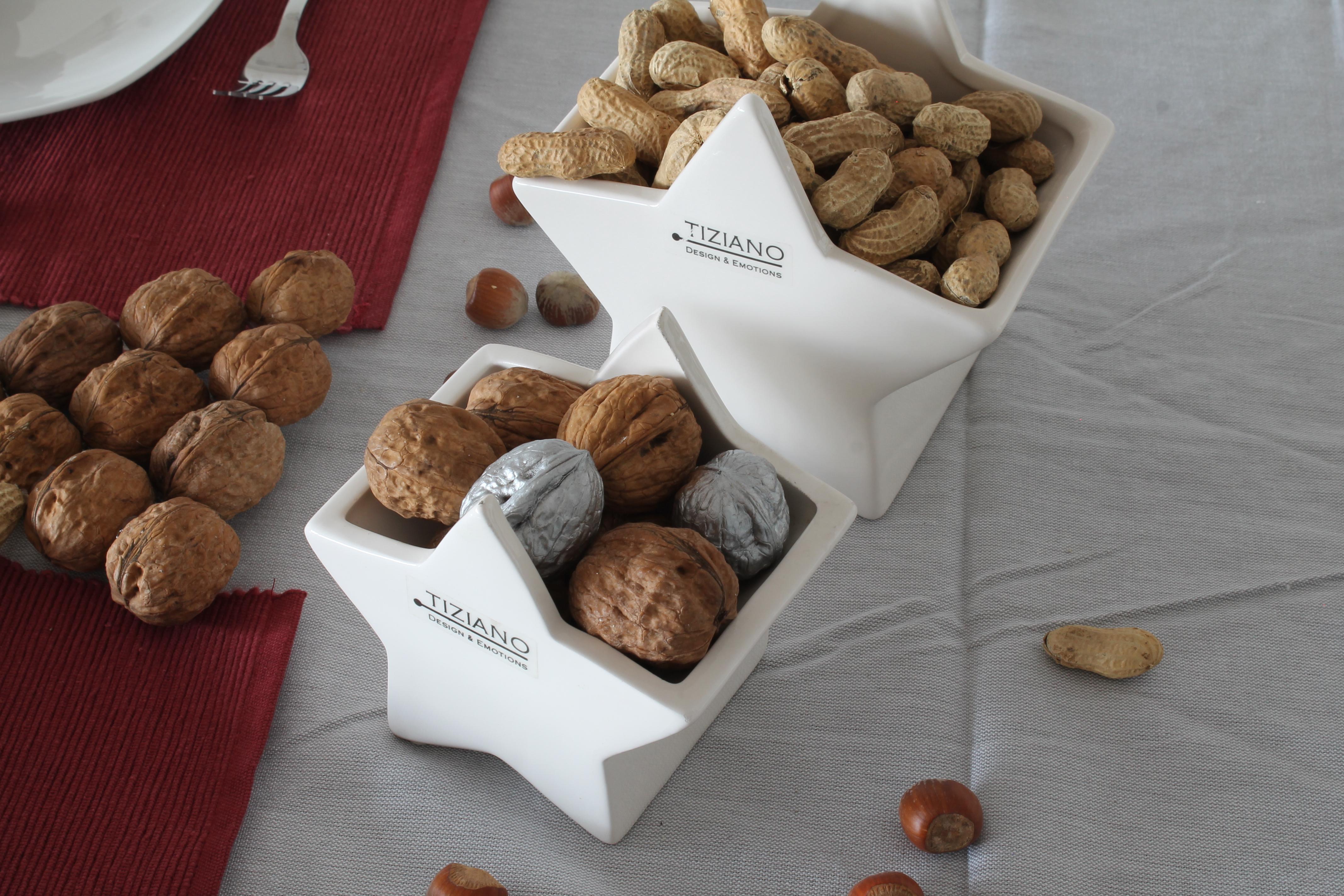 Weihnachtliche Tischdekoration weihnachtliche tischdekoration mit nüssen und tiziano serie cometa tiziano