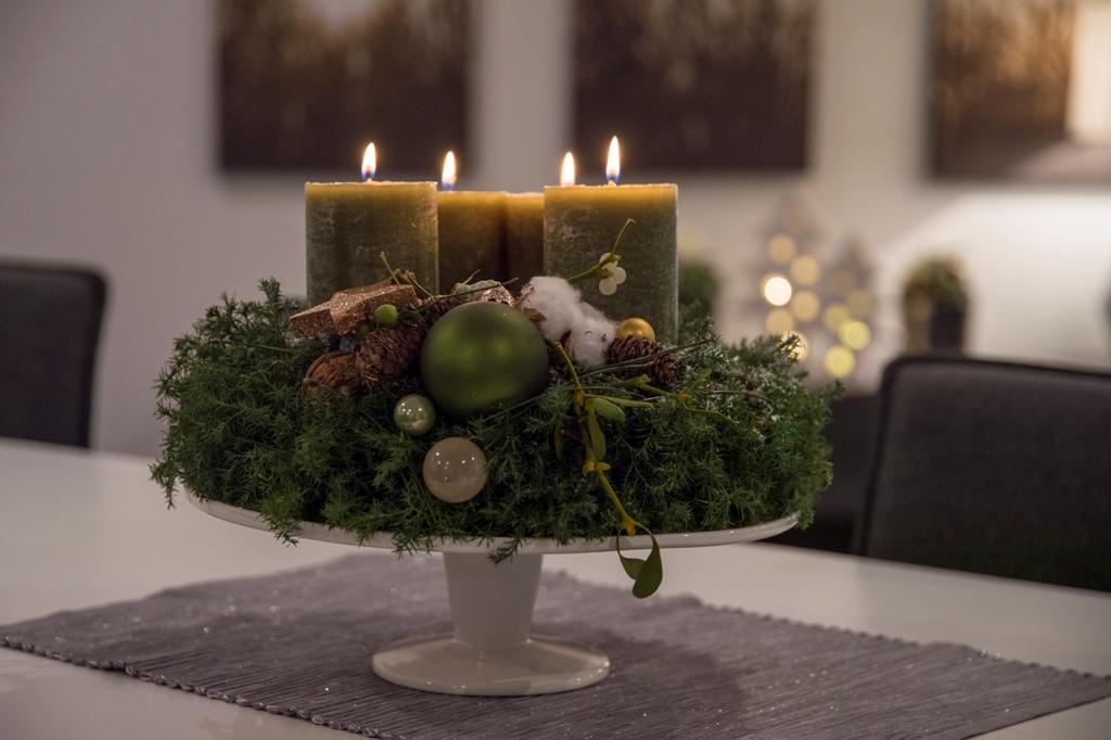 klassischer adventskranz zeitlos und elegant tiziano. Black Bedroom Furniture Sets. Home Design Ideas