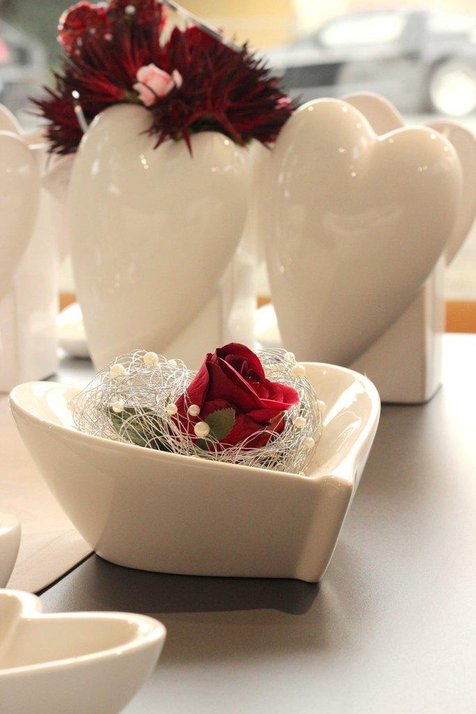 Herzensangelegenheit_romantische Geschenkideen mit roter Rose