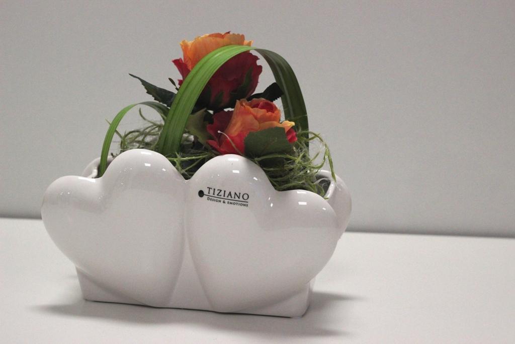 Wohnaccessoires zum Valentinstag_Jardiniere Novare