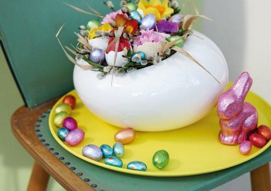 Tischdeko zu Ostern_bunte Blumen