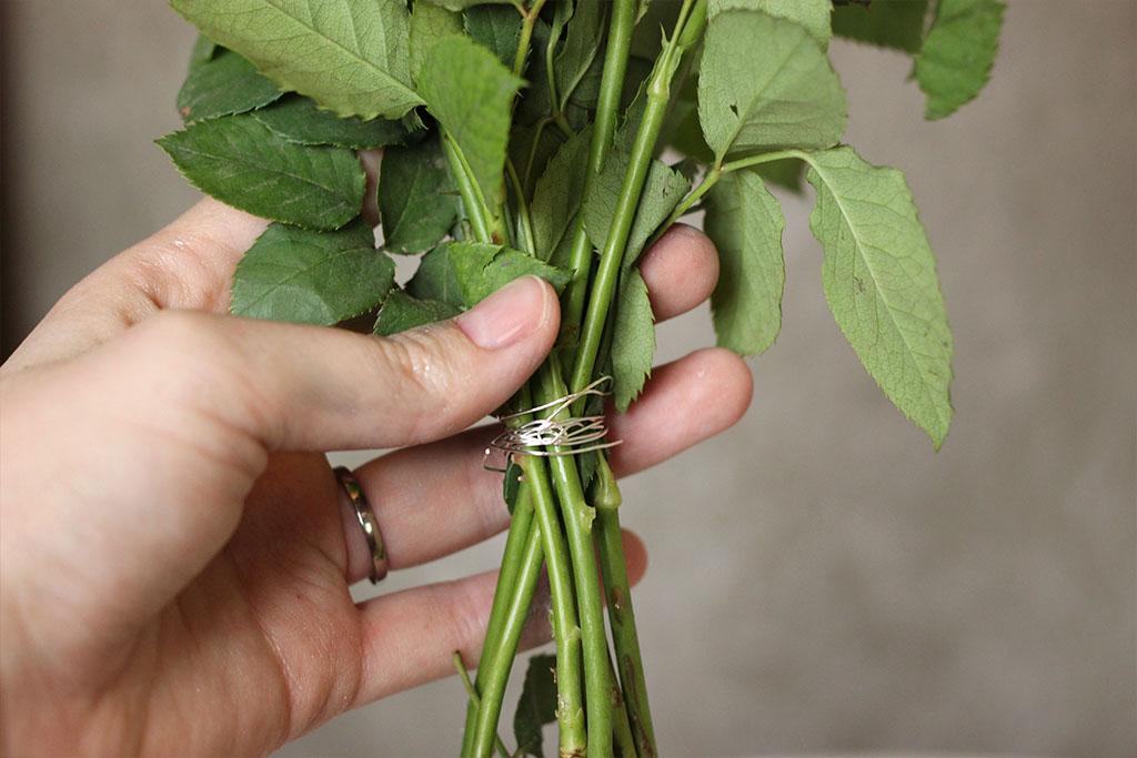 DIY Blumen zusammenbinden