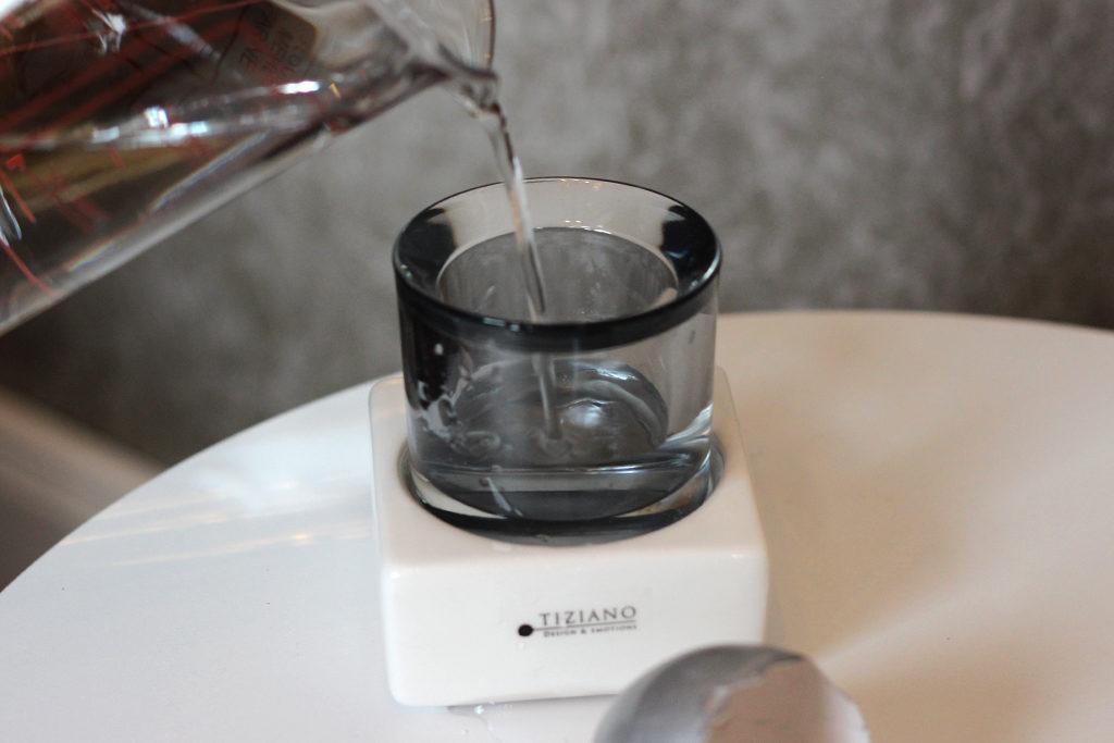 Osterdeko_Wasser einfüllen