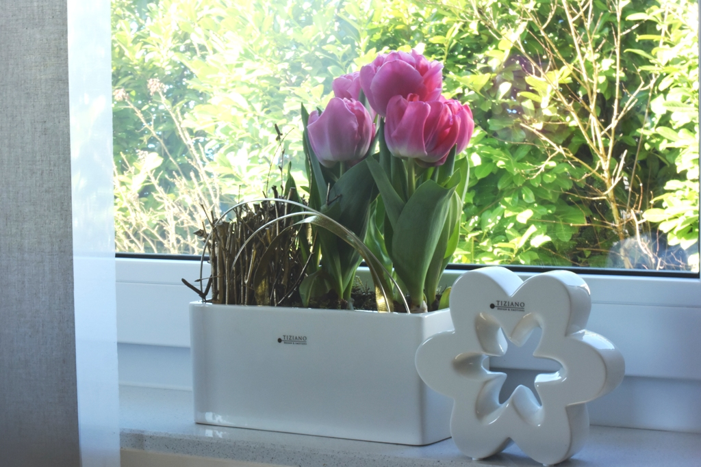 Frühlingsdeko für die Fensterbank