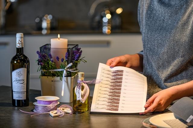 Lavendelöl selber machen mit Freebie Geschenkanhänger