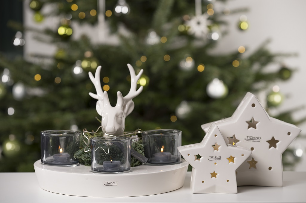 Deko Ideen zu Weihnachten Hirsch Adventskranz