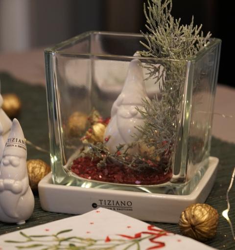 Weihnachtsdeko im Glas mit Santa Robero