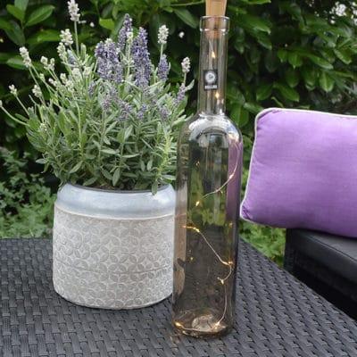 Flasche Flaskan taupe-hellgrau inkl LED