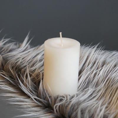 Kerze wollweiß