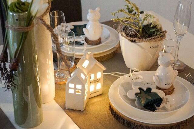 fruehlingshafte Tischdeko mit LED Beleuchtung