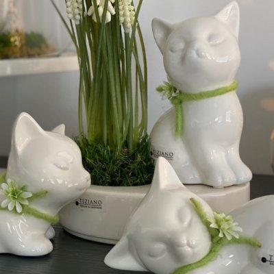 Dekofigur Katze Sadira dekoriert gruen 3er Set