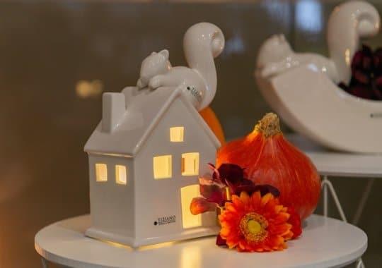 Herbstdeko mit Eichhoernchen Neo