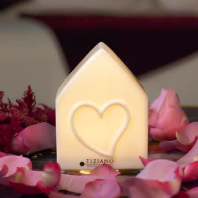 Dekohaus Einzelherz LED weiß-creme Porzellan