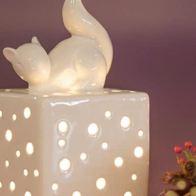 Licht Padova LED mit Eichhörnchen Silvino schlafend creme