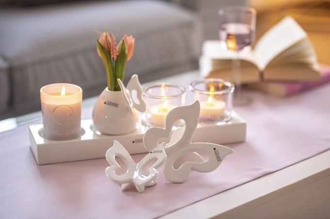 Tulpen in der Vase dekorieren