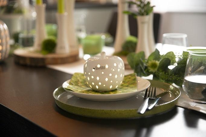 herbstliche Tischdeko mit Apfel Nerone