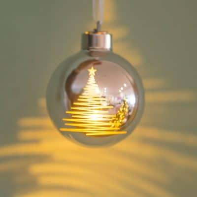Vorverkauf: Deko Kugel Vila LED Baum 8 silber/gold